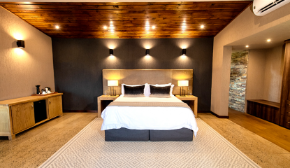 Main-Lodge-Luxury-Suite2